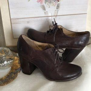 Frye Carson Heel Oxford booties dark brown 8.5